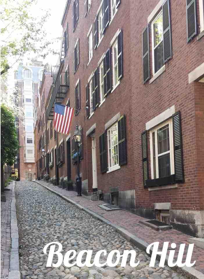 Beacon Hill et plus précisément Acorn Street, la rue la plus photographiée des Etats-Unis : un incontournable à Boston !