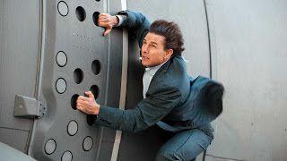 Tom Cruise sai mancando após gravar cena de 'Missão Impossível 6'