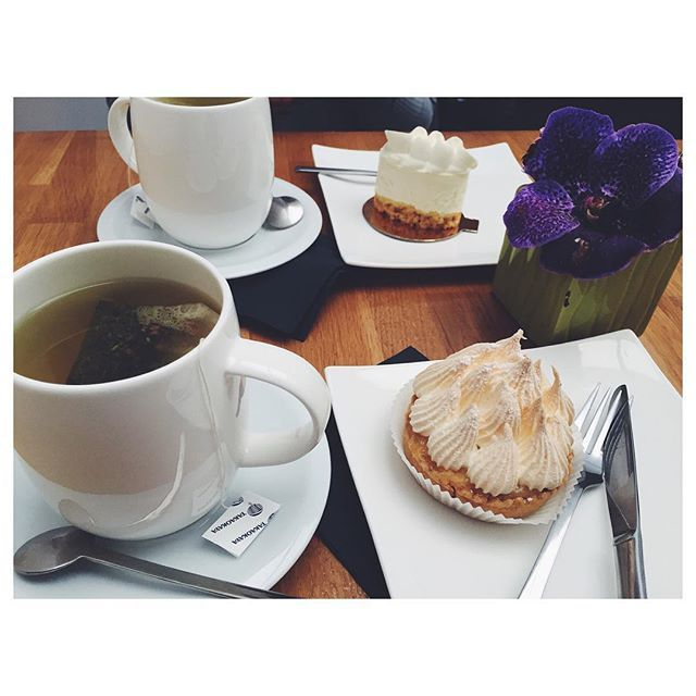 | Petit thé japonais et pâtisserie française revisitée avec @fionajdn ☕️ 🍰 #tea #bf #cake