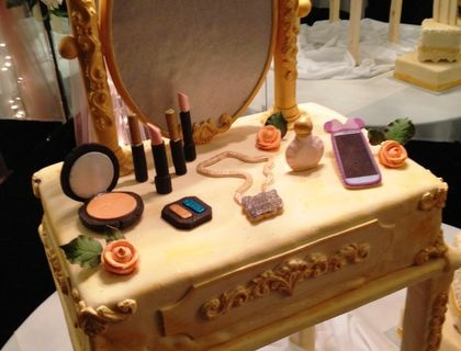 VINTAGE INSPIRED VANITY TABLE BIRTHDAY CAKE: Inspiration Vanities, Cakes Ideas, Cakes Art, Tables Birthday, Cakes Creations Art, Vintage Vanities Tables, Vintage Inspiration, Tables Cakes, Birthday Cakes
