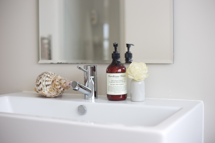 Nothing makes a bathroom feel crisp and clean like luxurious handwash. My favourite is #Murchison Hume from #FatherRabbit