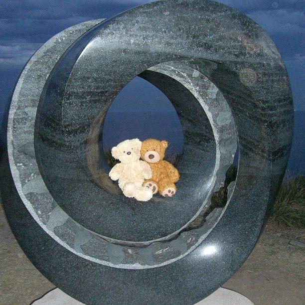 Bears romantically entwined. See their blog www.teddybearlife.com #bear #teddy #teddies #socute #softtoy #art #sculpture #sculpturebythesea #bondi #sydney #australia #toytraveler #toysforlife #instabear #instagrammer #instamood #toy #photooftheday #picoftheday #toyartistry #toycrewbuddies #mobius