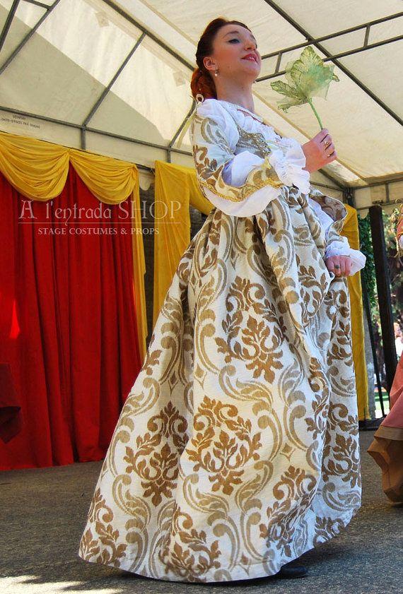 ★✩★ONLY, ORDER★✩★10-12-DAYS★✩★  Kleid von italienischen frühen Renaissance Mode. Kleiden Sie, ohne Korsett mit hoch angesetzten Taille. Harte Mieder erfüllt Korsett Funktion. Kleid hat abnehmbare Ärmel, die mit dekorativen Kordeln und schnüren befestigt.  Kleid aus hellen farbigen Dekostoff mit Monogramme und mit Borte und Perlen verziert. Kostüm besteht aus Chemise (Hemd) mit diesem Kleid. Es machte aus 100 % natürlicher Baumwolle.  Wenn Sie solche Kostüm in einer anderen Farbe oder…