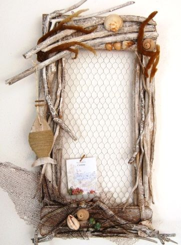 Cool driftwood memo board with chicken wire.