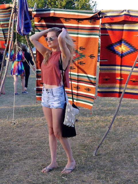 Niomi Smart. Wilderness Festival. Festival outfits. Festival styles.