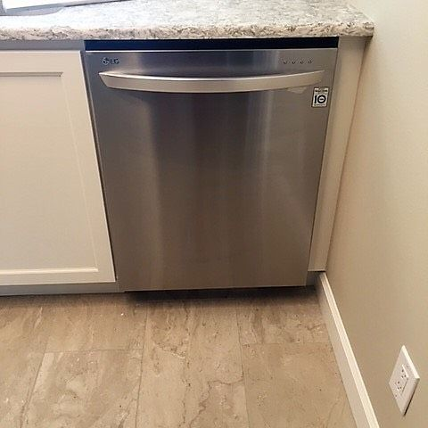 Next in is this stunning 33in dishwasher by @lgusa. Featuring a steam wash setting that virtually eliminates the need to pre-wash! .  .  .  #LG #Milcarskys #milcarskysdeliveryteam #milcarskysinstallteam #professional #delivery #install #iloveappliances #orlando #longwood #heathrow #centralflorida #florida #newkitchen #appliances #newappliances #newconstruction #construction #contractor #stainless #stainlesssteel #ss #dishwasher