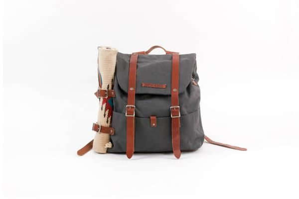best 25 dad diaper bag ideas on pinterest diaper bags for dads what to pack in a diaper bag. Black Bedroom Furniture Sets. Home Design Ideas