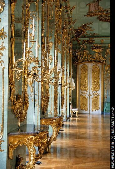 Rococo interior - Schloss Charlottenburg, Berlin, Germany look at the detail in this image. Also like the perspective and ink it would be an interesting design.