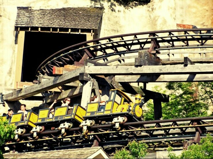 Thunder Run - Canada's Wonderland - Canada - (2009) - Steel Coaster