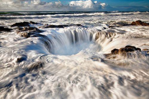 Thor's Well at Cape Perpetua, Oregon
