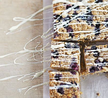 Packed with blueberries and macadamia nuts, this is a twist on the classic flapjack recipe.