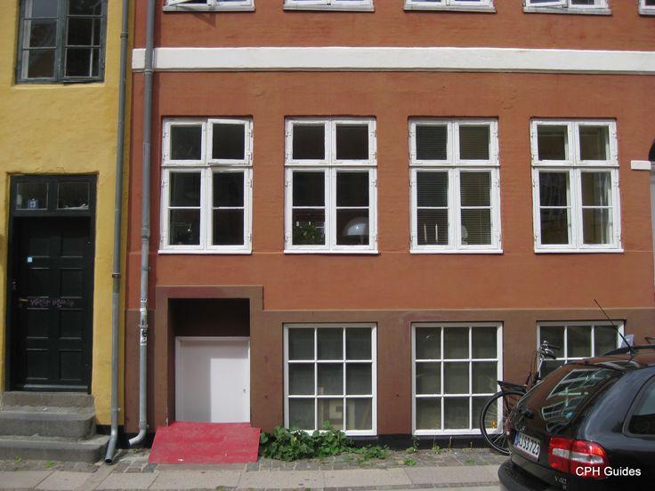 Tidligere købmandsforretning i Dronningensgade  ejet af Dagny.