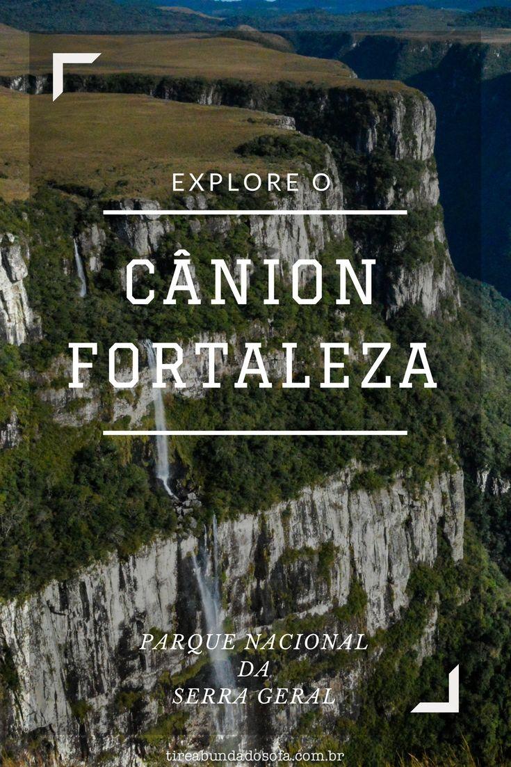Conheça o Cânion Fortaleza, em Cambará do Sul. Parte do Parque Nacional da Serra Geral, junto com a cachoeira do Tigre Preto e a Pedra do Segredo, o cânion é um dos pontos turísticos clássicos do Rio Grande do Sul.