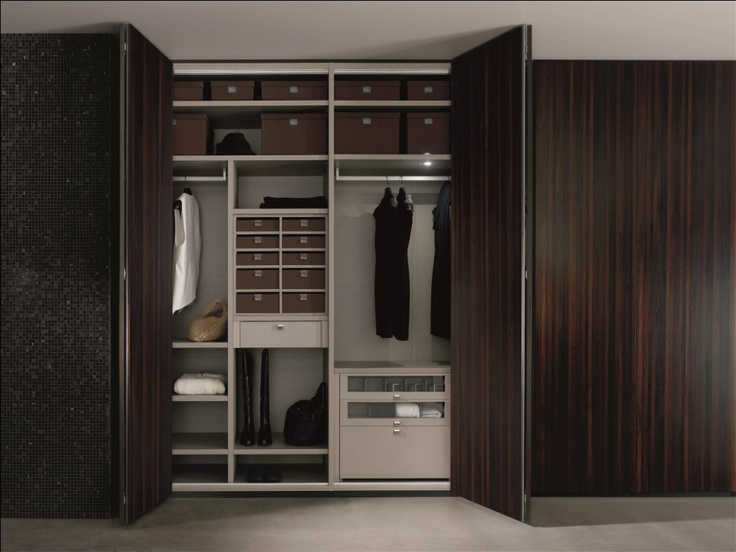 1000 images about armarios y vestidores de lujo de gunni for Puerta walking closet