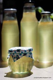 Zapiski kulinarne: Syrop z kwiatów czarnego bzu
