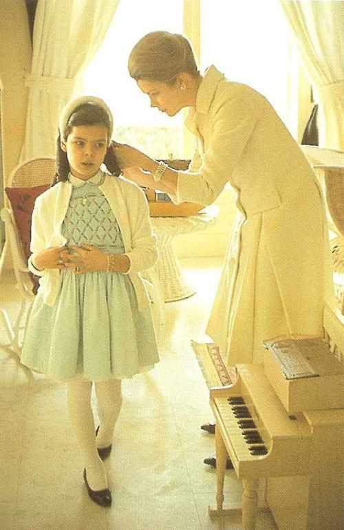 princess grace & young princess caroline: Howell Conant, Princess Caroline, Gracekelly, Mothers, Princess Grace, Royal Family, Daughter, Grace Kelly, Princesses