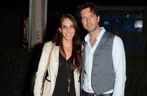 Sandra Echeverría y Leonardo de Lozanne superan juntos las náuseas, mientras se revela que esperan un 'baby boy'. http://mx.hola.com/musica