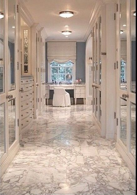 Luxurious bedroom interior design with mirrored vanity dressing table - Best 25 Vanity In Closet Ideas On Pinterest Beauty Room