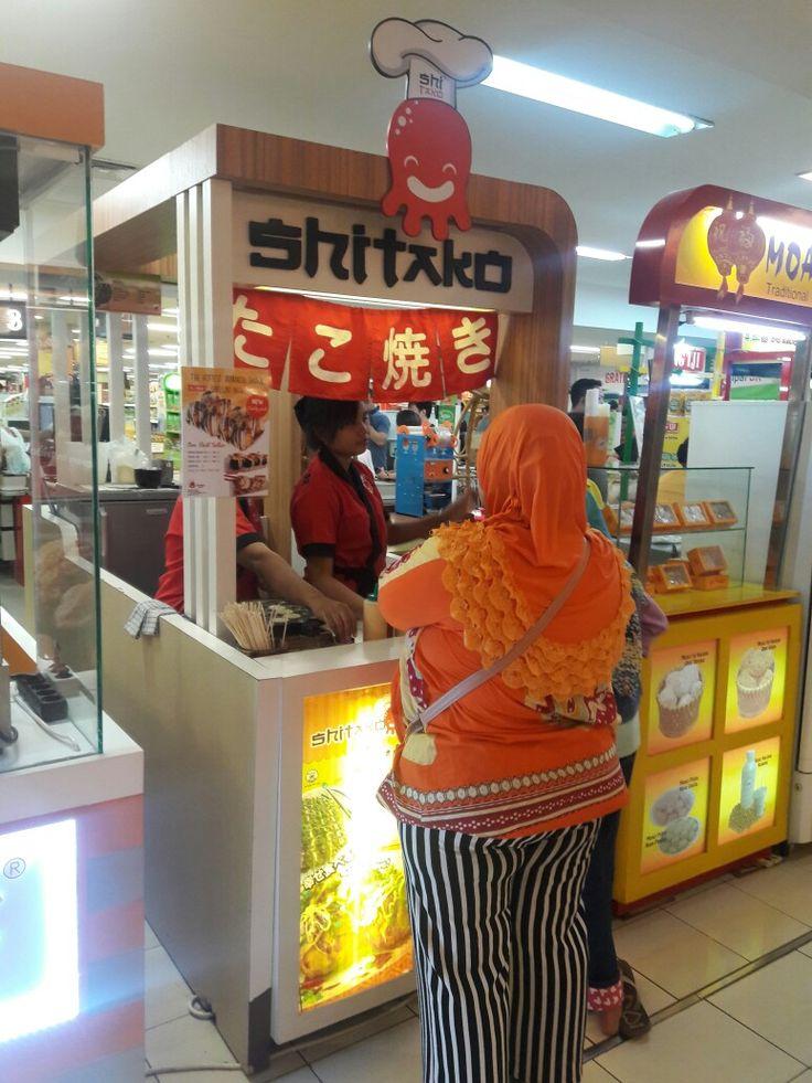 Shitako Takoyaki @Mall Kelapa Gading 1 (In Front of Farmers Market)