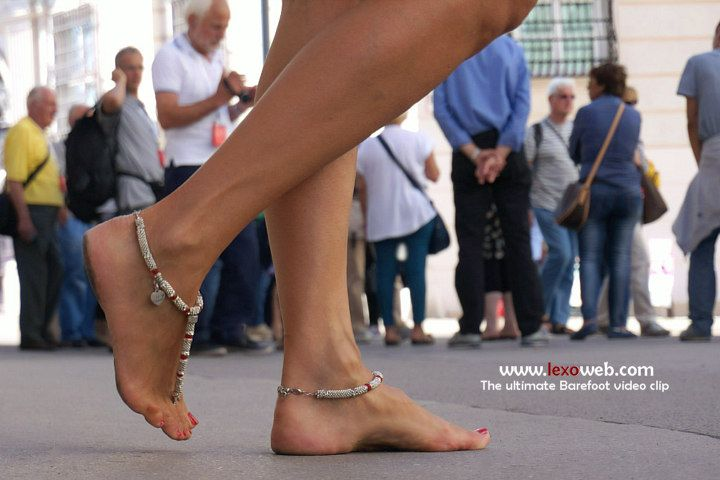 Barefoot in the city, from the ultimate Barefoot video clip (http://www.lexoweb.com/Ult09/gallery01.htm) Barefoot Sandals by @verymicky