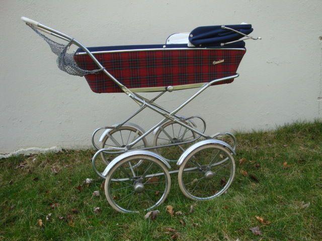 Ohne diesen Puppenkinderwagen der 60er Jahre ging es nicht.