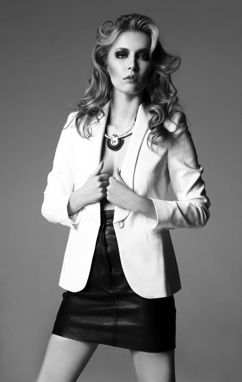 Model: Barbara Wowczuk Photography: Caroline Anielewska & Irek Kamieniak MUA: Kinga Skowrońska Hair: Mateusz Książek/Sandra Wołyniec