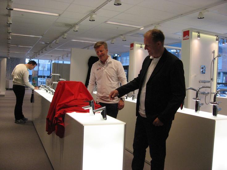 Avdukning av den nye kranserien Oras Optima på det nye showrommet i Oslo