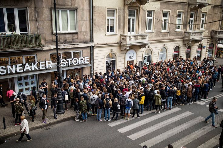 Line for Yeezy raffle in shithole you probably dont know about(Warsaw Poland)