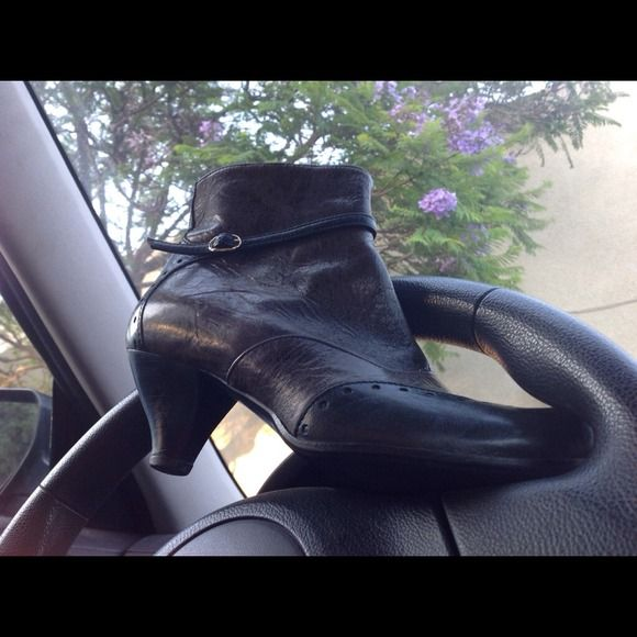 DAVOS Gomma KING Ankle Bootie Italian Leather 37 These are pristine and Nearly Nearly New.  The booties are made from the finest Italian Leather and are 37 Italian but a nice fit to 7.5 or even 8 as they are stretchable.  Right now very comfortable for 7 or 7.5. Davos Gomma Shoes