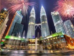 Objek Wisata Malaysia merupakan sebuah permata yang terletak di wilayah Timur Selatan Asia. Ini adalah tempat di mana dunia lama bertemu yang baru di mana teknologi modern yang tenggelam dalam budaya tua dan tradisi.