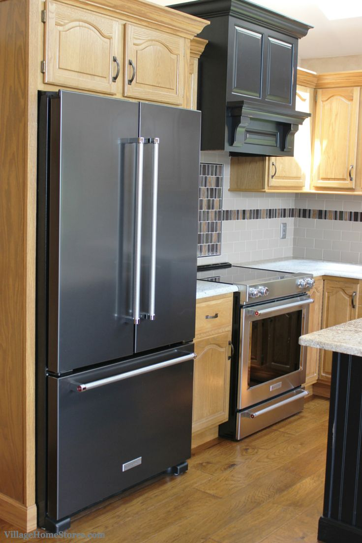 black kitchen cabinets with stainless steel appliances 1000 images about appliances on cherry 12401