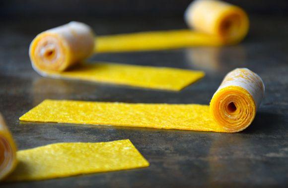 Healthy Homemade Mango Fruit Roll-Ups