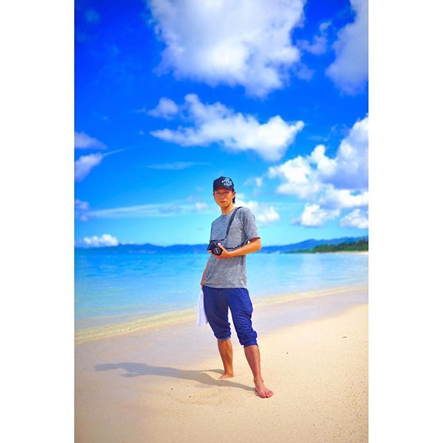【manabu_kane】さんのInstagramをピンしています。 《お早うございます^ ^ 魂は常に島にコミットし、 島でお逢いした方にもコミットします。 此方の方は沖縄が好き過ぎて月一は必ず島を訪れるという @okinawa_sukisuki さん ^ ^ 写真お待たせしました(笑) 写真を撮らせて貰うときはいつも切実にお願いしてますが、 撮った後は適当過ぎる僕をお許しください(笑) 青い夏空の下、果てしない八重山ブルーを背景に立った貴方はとても素敵なSummer manでした。 来年も夢の島でコミットしましょう(^o^)/ はい、時々こうしてポートレート撮影もします。 内地は紅葉もまもなくって感じで秋へと深まる日々。 今年最後の彩りを予定が合えば是非コミットしましょう(^o^)/ カメラというツールで自然と繋がり、人と繋がり、人を繋げる世界が良いと思います。 DM、コメントでもいいです! ご一報お待ちしてます^ ^ ありのままのそのままの貴方を見せて頂くだけで僕とNIKONは微笑んでお迎えするでしょう^ ^ では、今日も良い一日で(^o^)…
