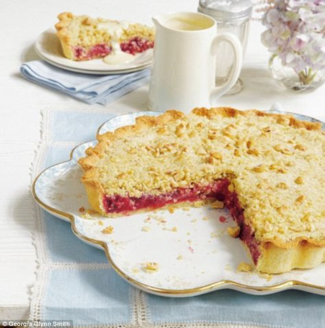 Winter Crumble Tart ~ combination apple & blackberry tart w/hazelnut & oat crumb topping ~ recipe from 'Mary Berry's Absolute Favourites' (pg 218) | via Daily Mail