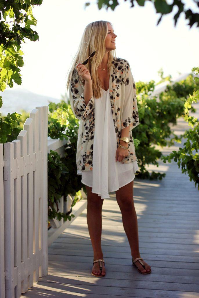Outfit / Streetstyle - Kimono and white dress