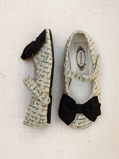 Fashion, DIY, Lifestyle: Joyfolie ~ Little Girl's Shoes ...love Maegan