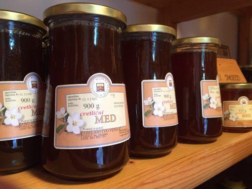 Local Honey for sale at Čebelarstvo Veselič in Metlika, Slovenia