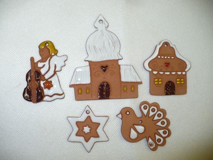 Sada+vánočních+ozdob+terracota+č.+4+Sada5+kusů+vánočních+ozdob+z+červené+hlíny,+zdobeno+glazurami+největšíje+kostelík+a+měří9,5x8cm