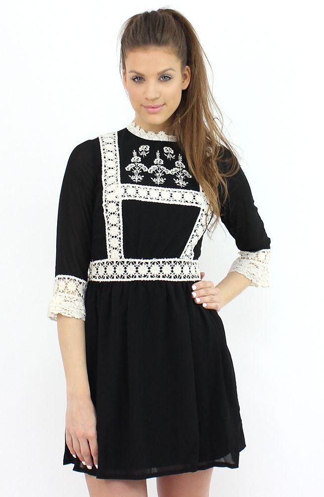 Chic Black and White Rustic Dress- classy and elegant for any special event...:)  #shopping #dress #moda #style #fashion