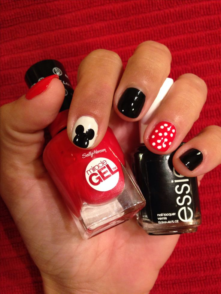 Disney nails. Disney nail art for short nails. Minnie Mouse. Mickey Mouse. Disney manicure