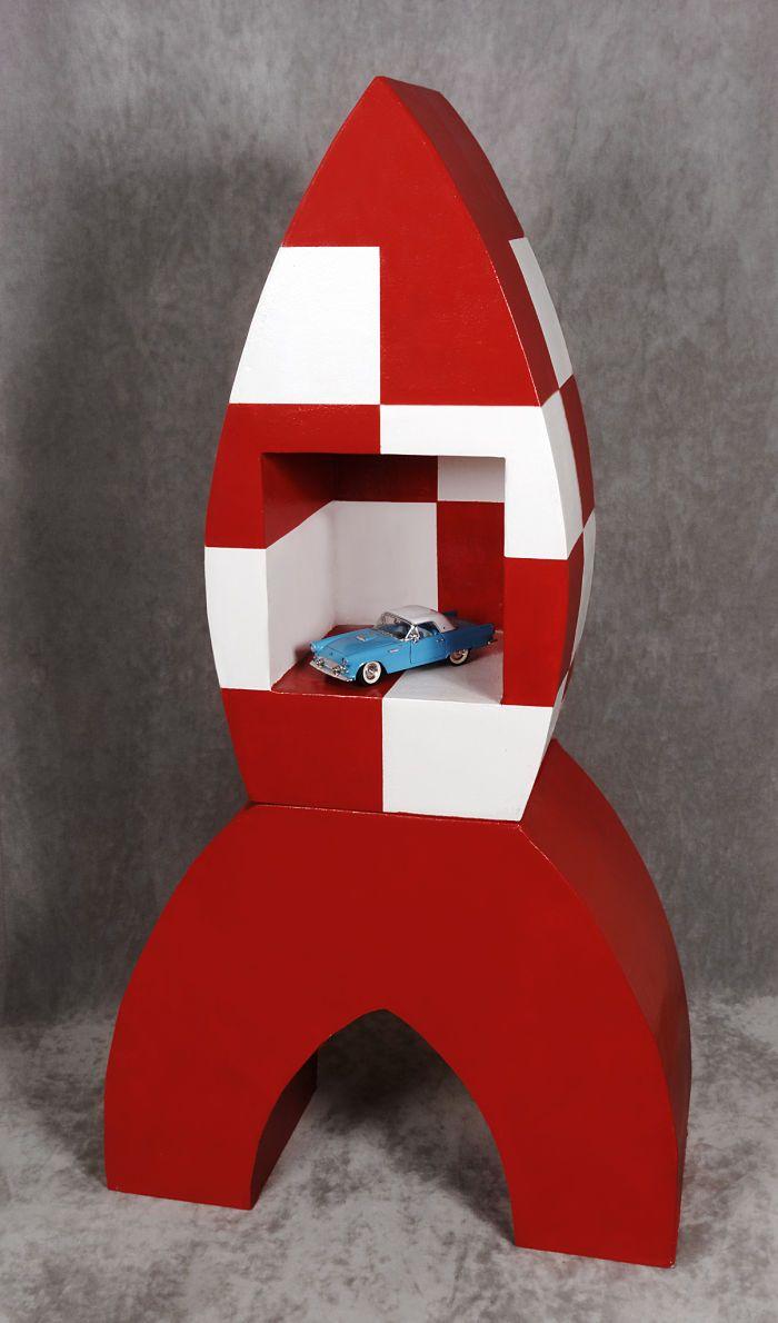 http://cartonrecup.com/fusee-tintin-en-carton/ Une fusée réalisée en #carton