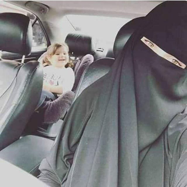 Учите детей религии с малых лет.   ----------  #niqabis #makka #madina #black #sister #blacksister #hijab #nikab #niqab #perfect #beauty #paradise #like #woman #muslim #Islam #turkey #dubai #arabic #jilbab #Ислам #никаб #хиджаб #религия #добро #нрав #сабр #черный #джильбаб #абая