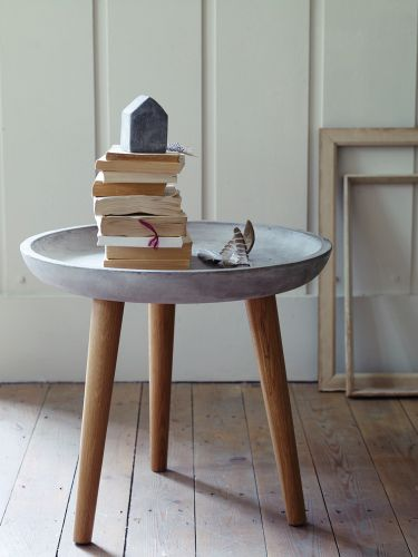 Cool concrete topped side table—also love the little concrete block house❣ Cox & Cox