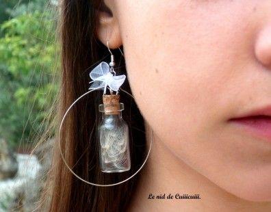 Boucles d'oreille fiole, *poussière d'étoile*.  Pour un besoin de magie, légèreté et de souvenirs d'enfance !  Par le-nid-de-cuiiicuiii sur ALittleMarket  >>  http://www.alittlemarket.com/boutique/le_nid_de_cuiiicuiii-373957.html