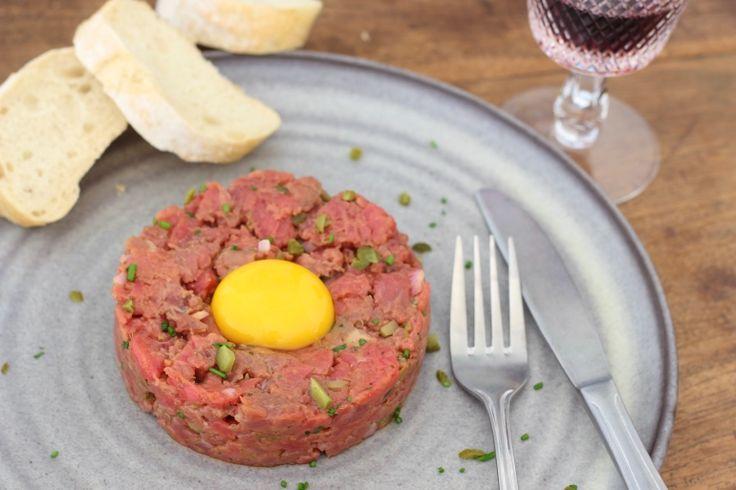 Ik ontfutselde het recept van de steak tartare van Ron Gastrobar Paris. Die is dus helemaal niet ingewikkeld om te maken, maar wel waanzinnig lekker!