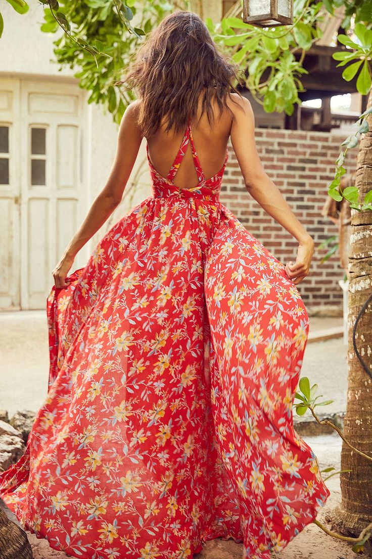 Obsessed with this Urban Outfitters maxi dress