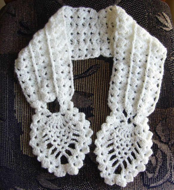 Crochetkari: Crochet Pineapple Neck warmer