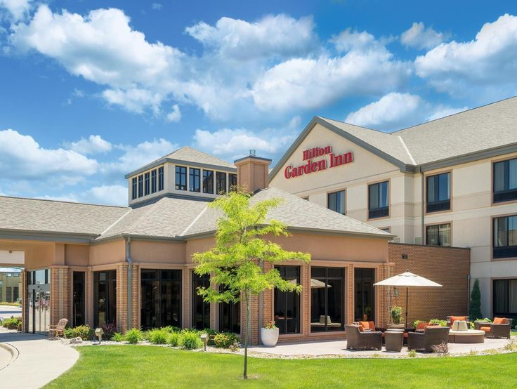 Sioux City (IA) Hilton Garden Inn Sioux City Riverfront  United States, North America Set in a prime location of Sioux City (IA), Hilton Garden Inn Sioux City Riverfront puts everything the city has to offer just outside your doorstep. The property features a wide range of facilities to make your stay a pleasant experience. Take advantage of the hotel's 24-hour front desk, facilities for disabled guests, express check-in/check-out, luggage storage, Wi-Fi in public areas. Telev...