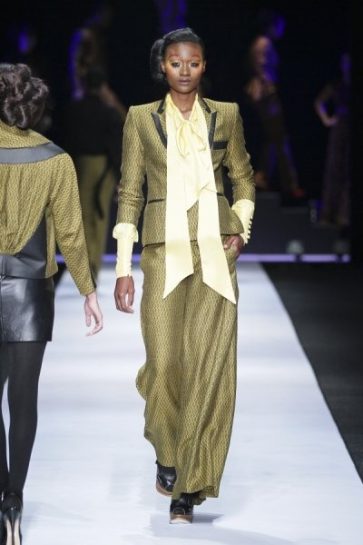 #DTCouture. Olive suit and light yellow pussybow blouse. Beautiful, elegant and divine!