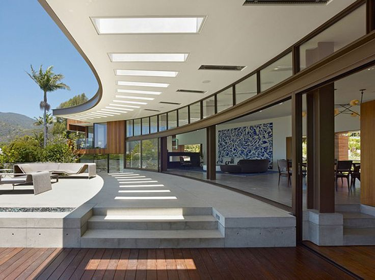 30 Pics, Inside and Out, Of A Breathtaking 9,000 Sq Foot Modern Home Overlooking The Pacific Ocean.